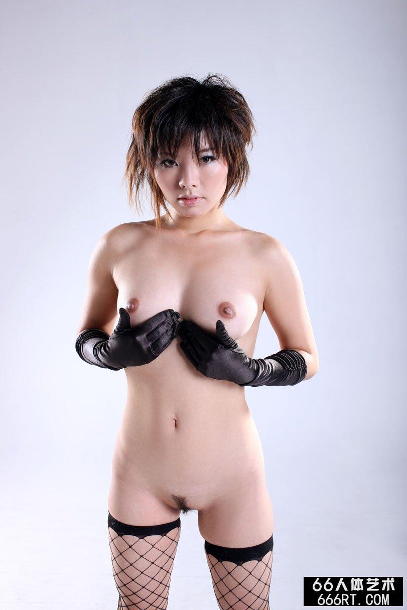 嫩模晓灵09年1月5日棚拍艳丽黑丝袜人体