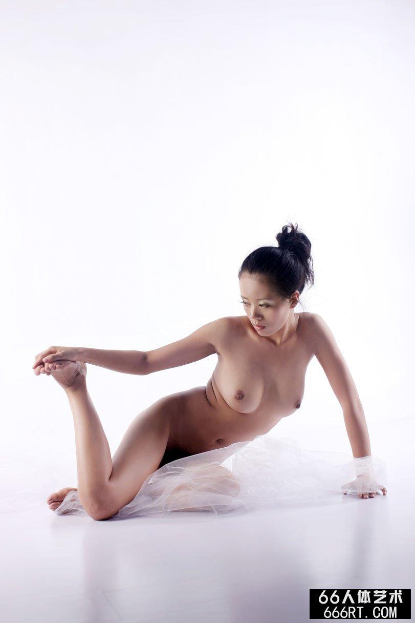 裸模阿娇08年8月9日室拍随选