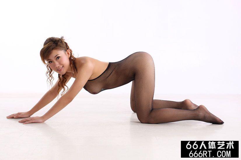 裸模蓝依10年1月23日室拍性感黑丝人体