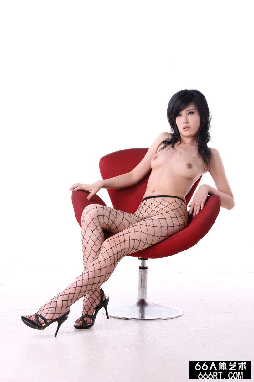 美模晓荷09年7月5日室拍诱惑网衣人体,哪有人体艺术视频