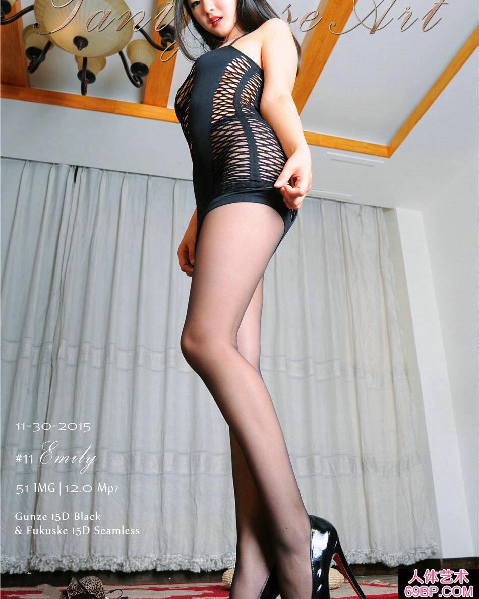 国产裸模Emily薄丝巨臀惹火写照