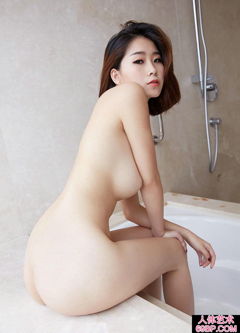 绝品美妇晓雯全身全裸展示美胸美臀