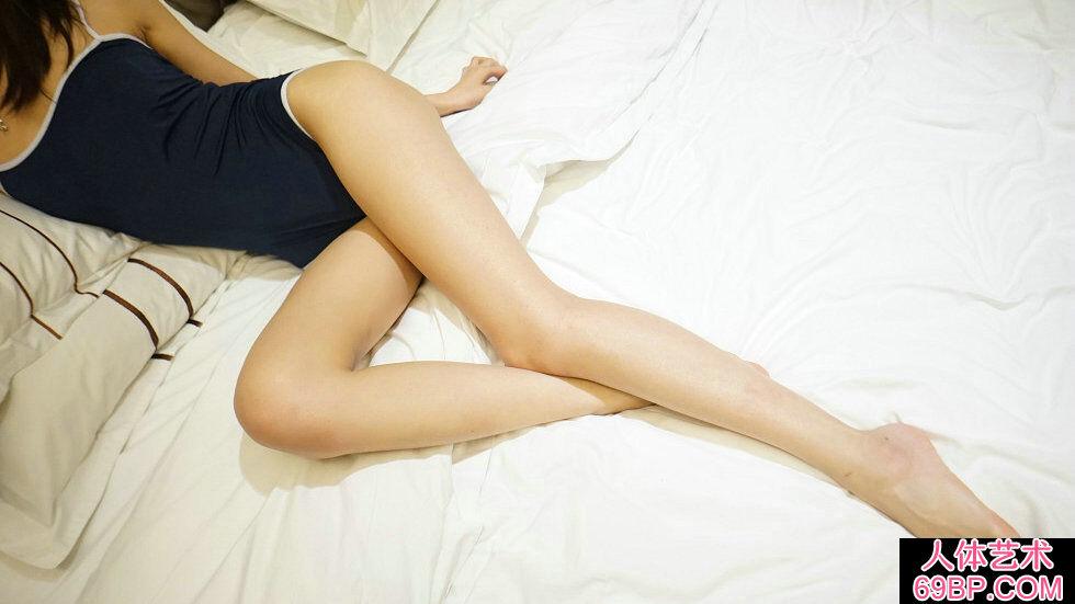 Rosi第2278期秀发美人居家秀绝美身材白皙肌肤