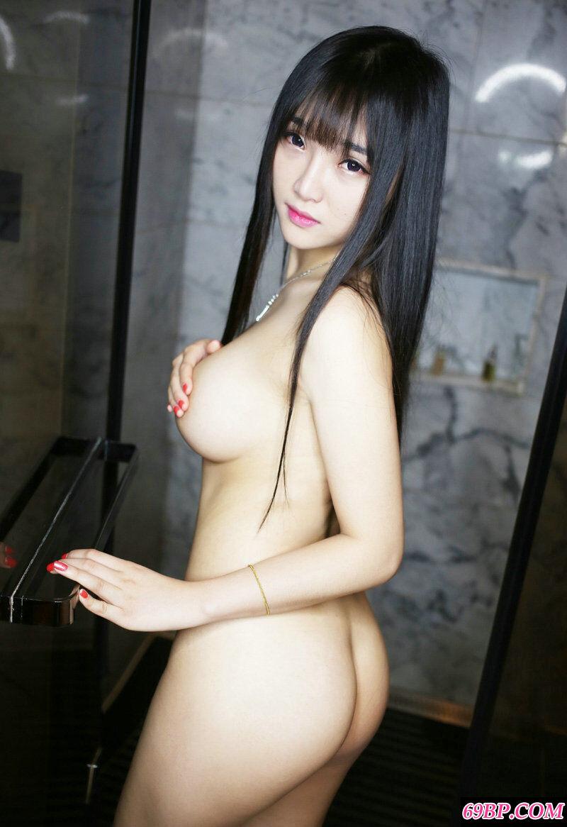 清纯长头发妹子夏瑶展示傲人双峰
