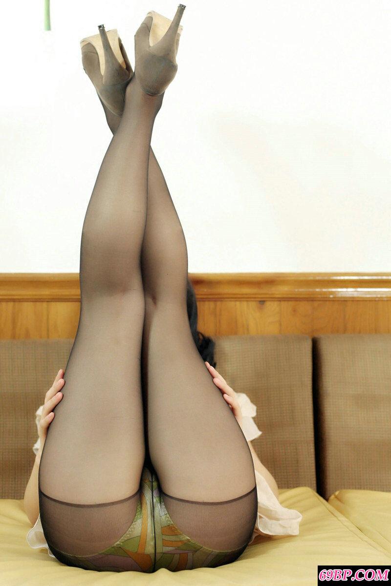 韩国美熟妇极致艳丽的黑丝人体