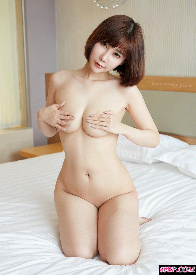 臀部肥壮健硕的靓妹李梦婷大尺度人体图片